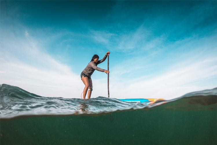Meet Tanvi 18-yr-old Mangaluru surfer and Indias first woman stand-up paddleboarder