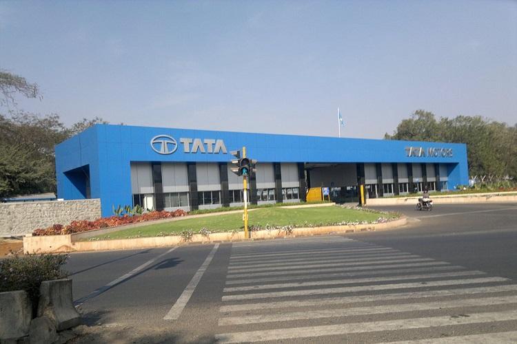 Tata Motors reports net loss of Rs 9863 crore in Jan-March quarter