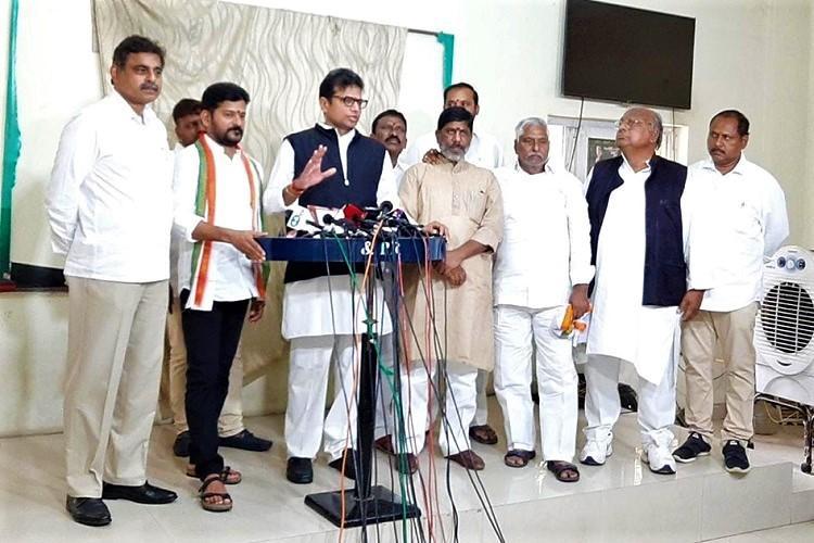 No need for new Secretariat Telangana Congress slams CM KCRs plans