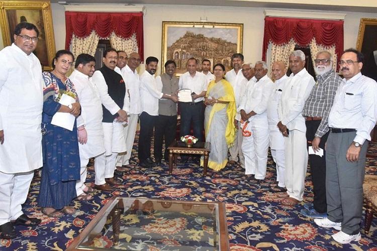 Opposition parties in Telangana meet Governor over CM KCRs new Secretariat plan