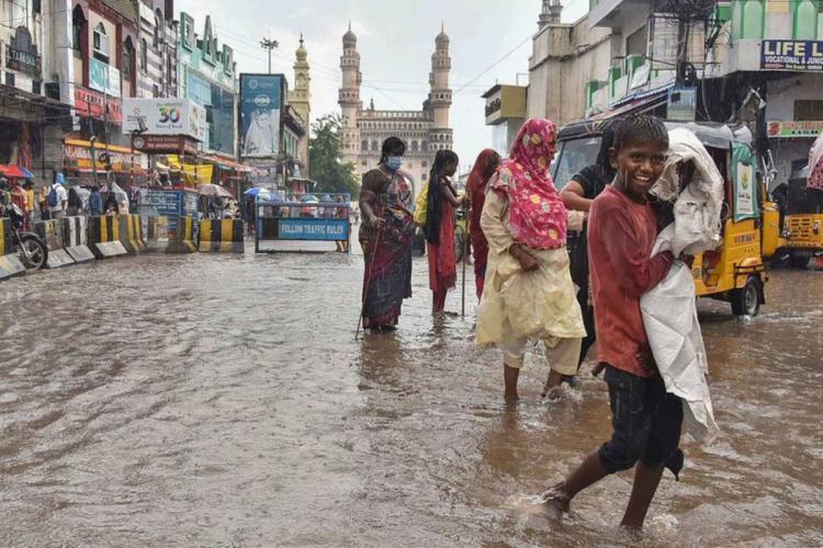 Rainfall at Charminar