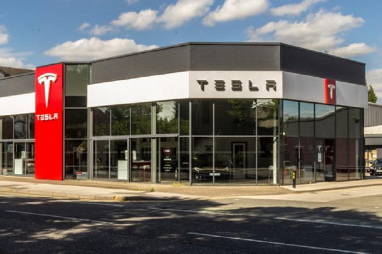 Despite record car production in Q2 Tesla reports 408 million net loss