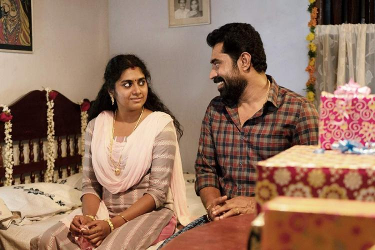 Nimisha Sajayan on the left and Suraj Venjaramoodu on the right in a screengrab from the movie The Great Indian Kitchen