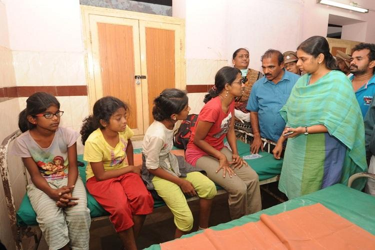 As some families grieve over loss of Theni fire victims others remain hopeful