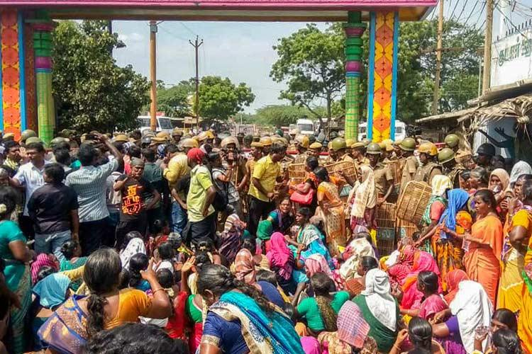 Anti-Sterlite violence: Tuticorin senior cop, collector transferred