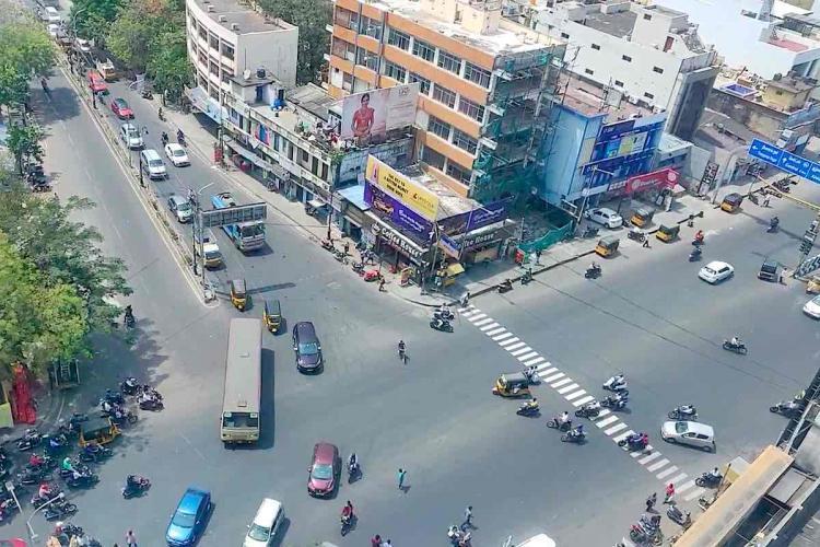 Chennai: Aerial view of Teynampet signal traffic on Anna Salai