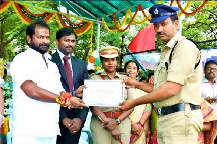 This Cop caught by ACB for getting Bribe after receiving Best Constable Award