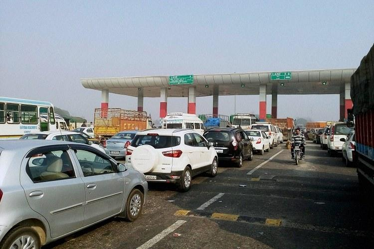Govt launches app for electronic toll collection on National Highways