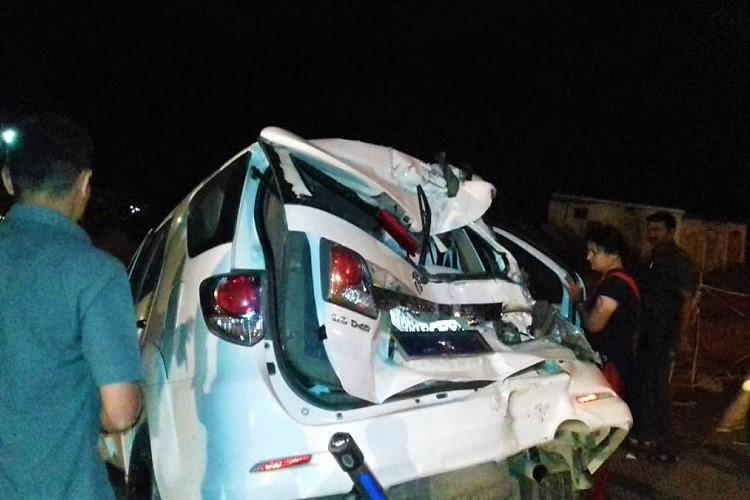 Warangal Commissioner has close shave as truck rams into cars at toll gate one dead