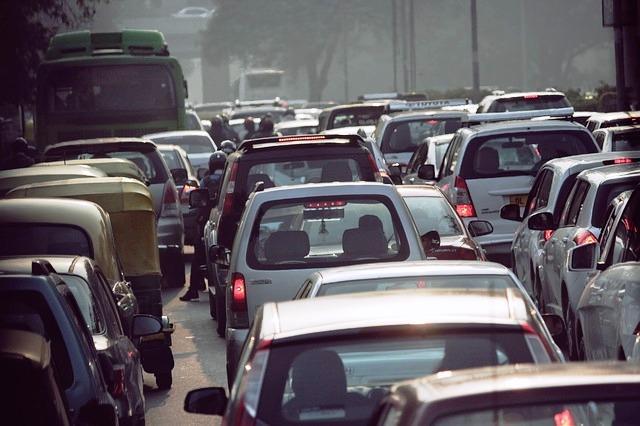 Chain snatching attempt fails as culprits get stuck in a traffic jam in Hyderabad