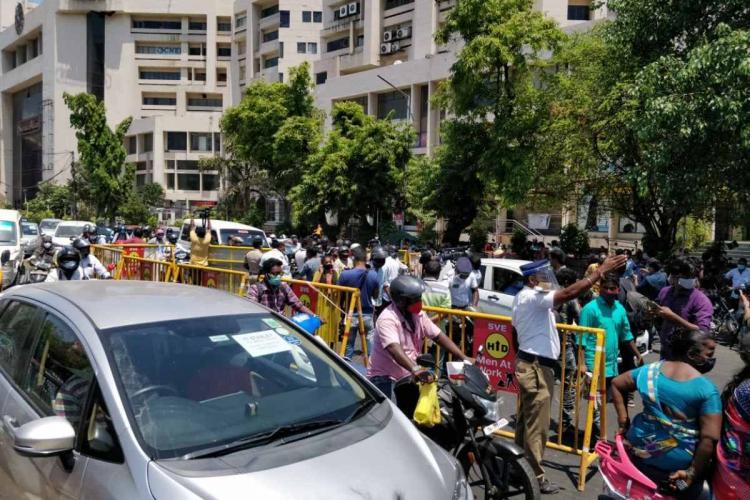 Traffic jam at Anna Salai in Chennai during lockdown