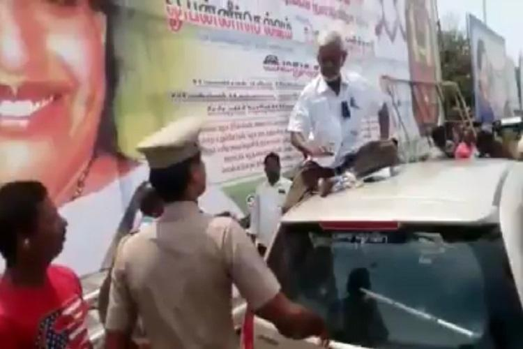 83-year-old Traffic Ramaswamy assaulted for protesting AIADMK
