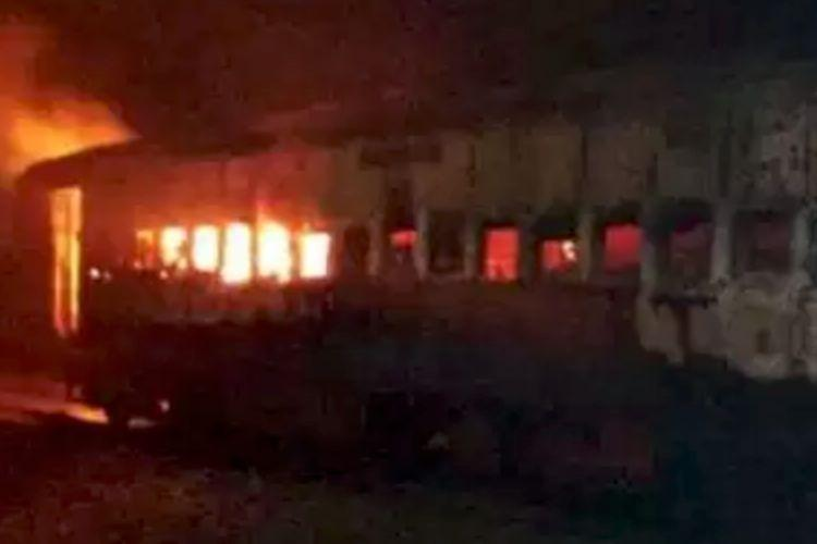 Train from Bengaluru to Jamshedpur catches fire in Andhra no casualties reported