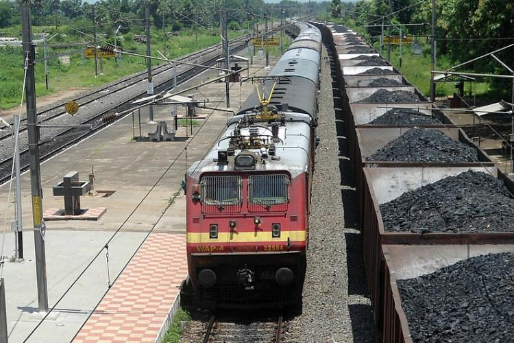 Man sets fire to Kerala train-bogie after botched theft attempt