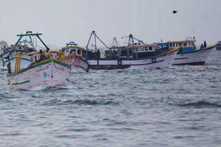 14 Indian fishermen arrested by Sri Lankan Navy
