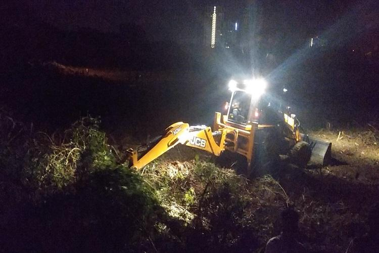 Unknown men fell hundreds of trees in Blurus Whitefield residents stop encroachment