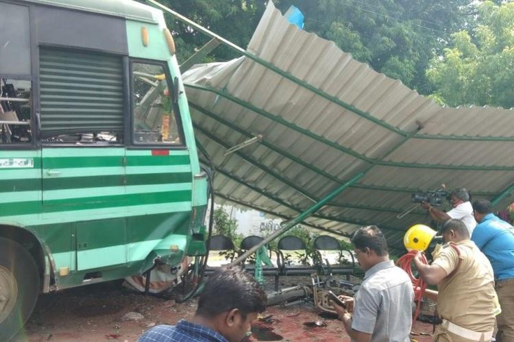 1 Killed 5 Injured In Trichy As Tnstc Bus Meets With An Accident