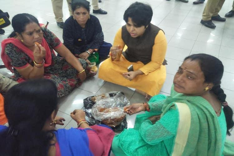 Complaint filed against Trupti Desai and 6 others for attempt to visit Sabarimala