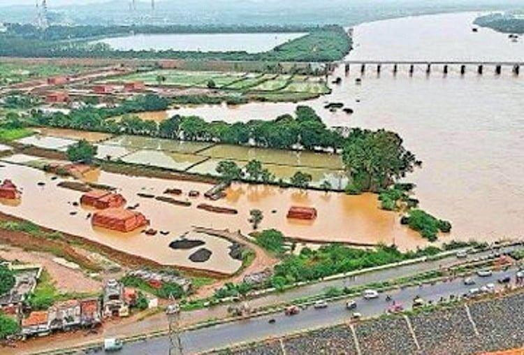 Flood alert issued in three Karnataka districts as gates of two dams to be opened