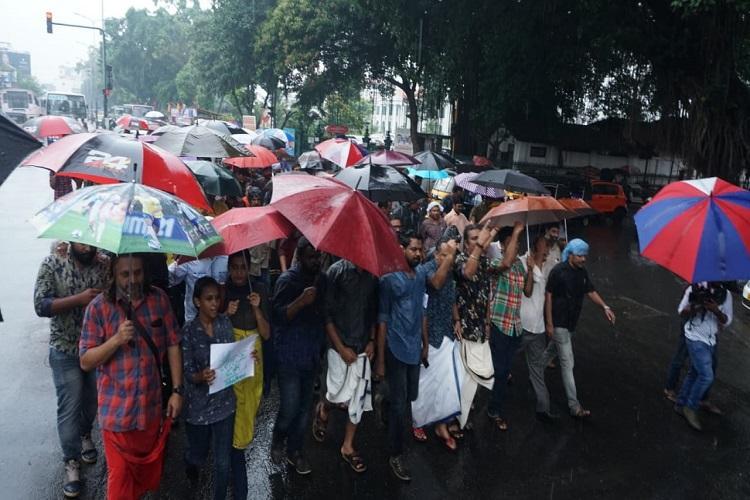 Kerala journos protest detention of colleagues in Mangaluru