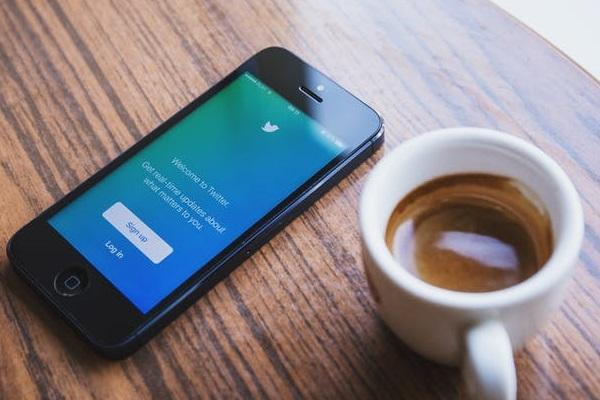Tweetstorms now made easy Twitter introduces thread feature to link tweets together
