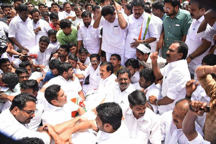 Cong-led UDF to intensify stir over fee hike in private medical colleges in Kerala