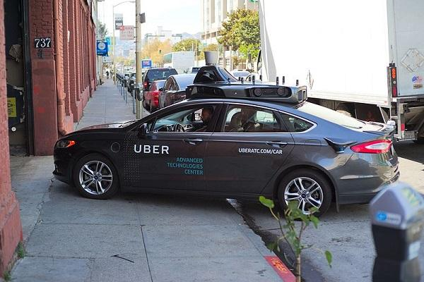 Never asked executive of self-driving project to take files from Waymo Uber defends itself