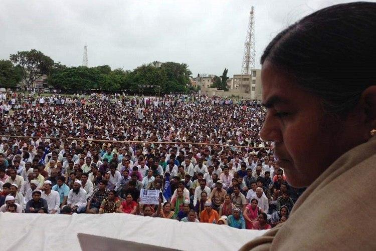 Massive turn out at Chalo Una rally Radhika Vemula congratulates Dalits for forcing CMs resignation