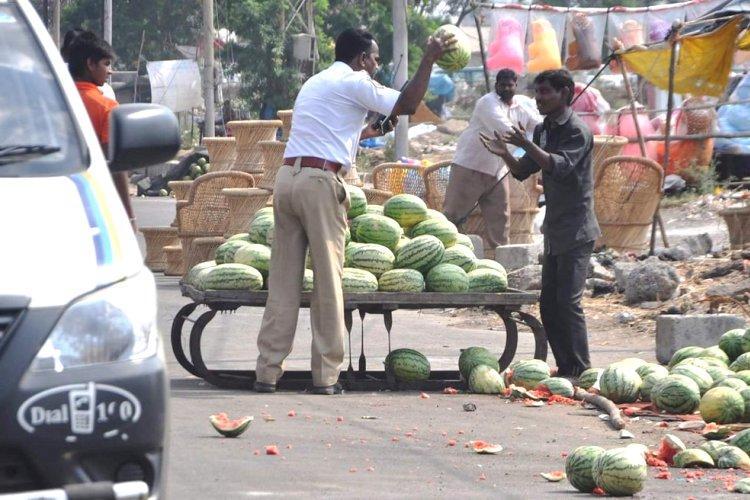 Hyderabad policemans high-handedness goes viral KTR tweets to DGP