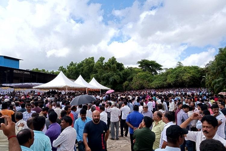 Thousands turn up to bid adieu at Coffee King VG Siddharthas funeral