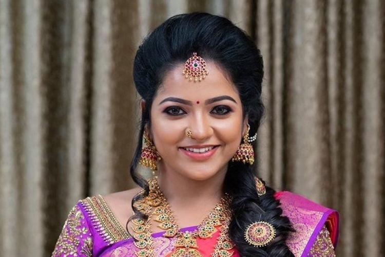 VJ Chitra in a saree and jewellery