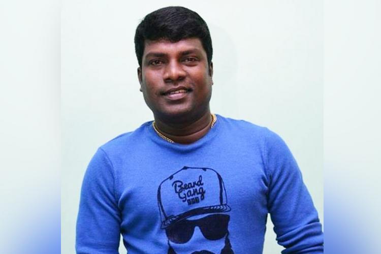 Vadivel Balaji in blue t shirt