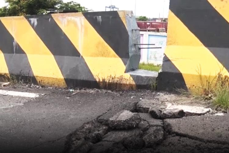 Yet another flyover in Kochi shut down after cracks develop near it