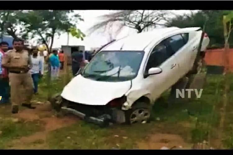One dead two seriously injured after drunk techie crashes car into Hyd shop