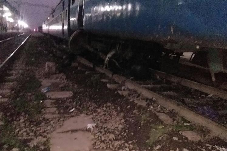 Three die, 9 injured as train derails in UP