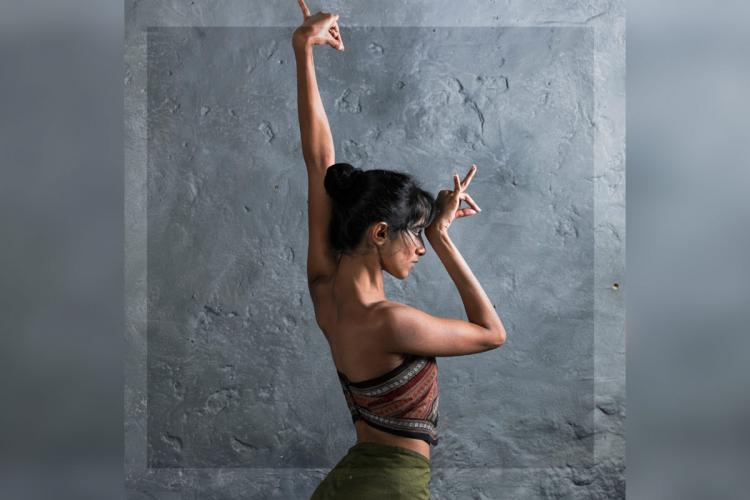 Image of contemporary dancer Veena Basavarajiah taken by UK based photographer Simon Richardson