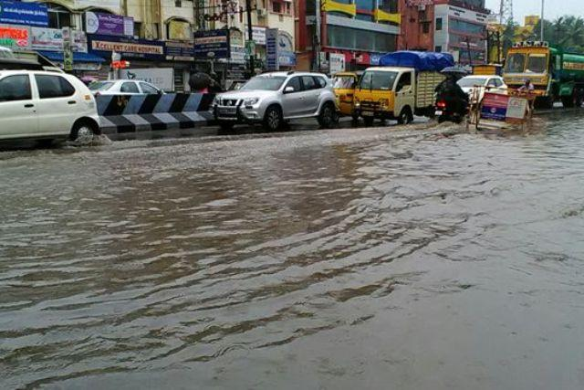 Images Rain lashes parts of Chennai govt takes precautions