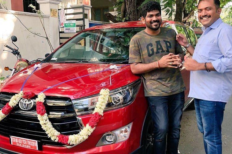 Suriya gifts Vignesh ShivN a car for Thaana Serndha Koottam