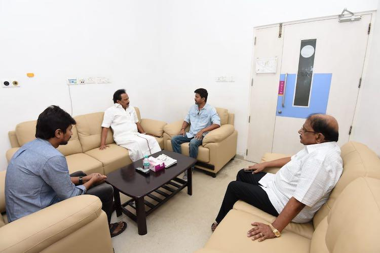 Actor Vijay calls upon ailing DMK stalwart Karunanidhi in hospital