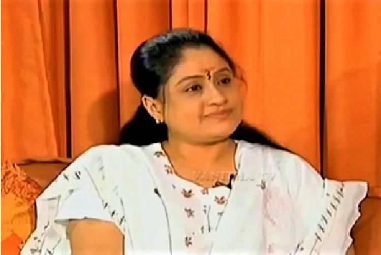 The return of Vijayashanthi Will the actors presence help the Congress in Telangana
