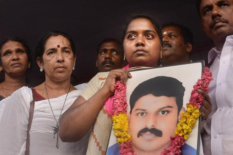Sanal Kumar death Wife Viji ends 22-day protest after church intervention