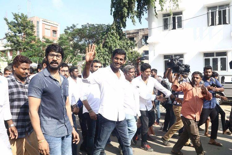 RK Nagar bypoll: EC first rejects, then accepts nomination of actor Vishal