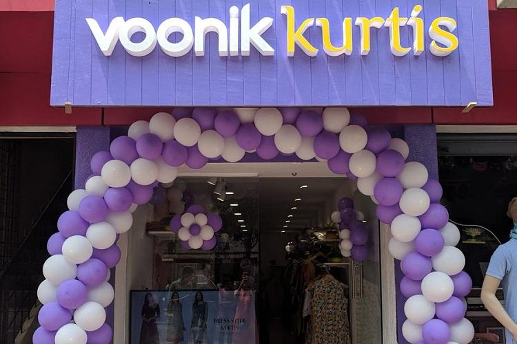 Fashion e-tailers expand offline open physical stores to bring in higher revenues