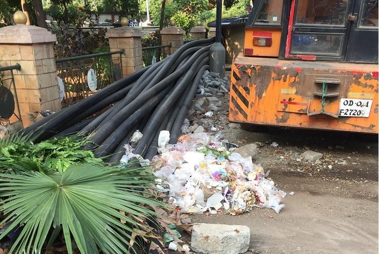 Posh neighbourhoods littered streets Is door-to-door waste collection working in Bengaluru