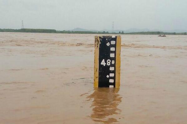 Heavy rainfall alert in Telangana and Andhra Pradesh for next 48 hours Met Department