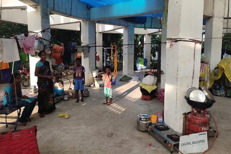 Video Over 60 families in Vijayawada live under a water tank after Krishna floods