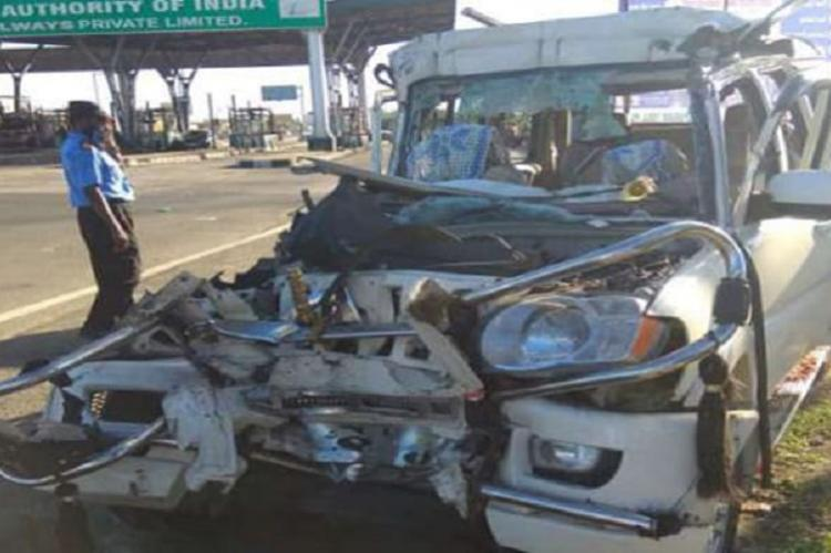 Eight killed as car rams into stationary lorry near Trichy on Sunday
