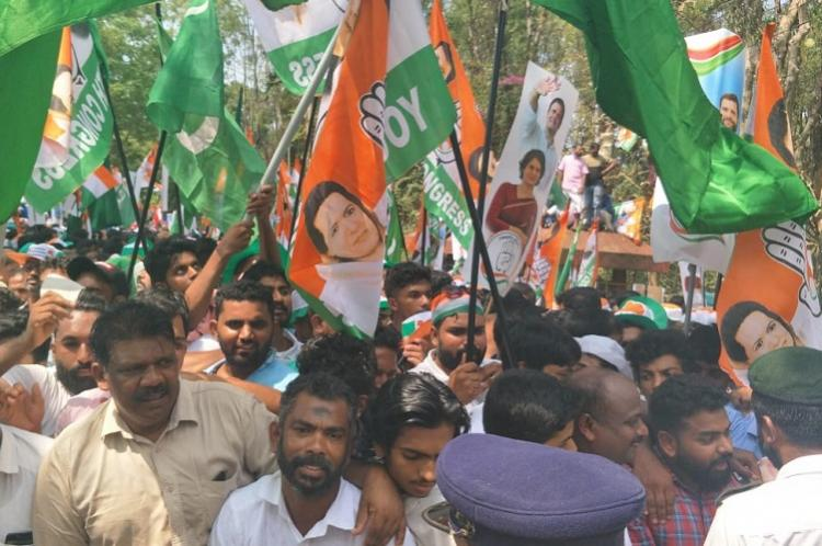 No Pakistani flags were not waved at Rahul Gandhis roadshow in Wayanad