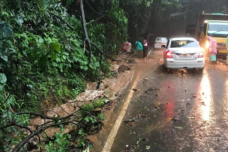As water levels rise Shivamogga authorities seek NDRF teams for evacuation