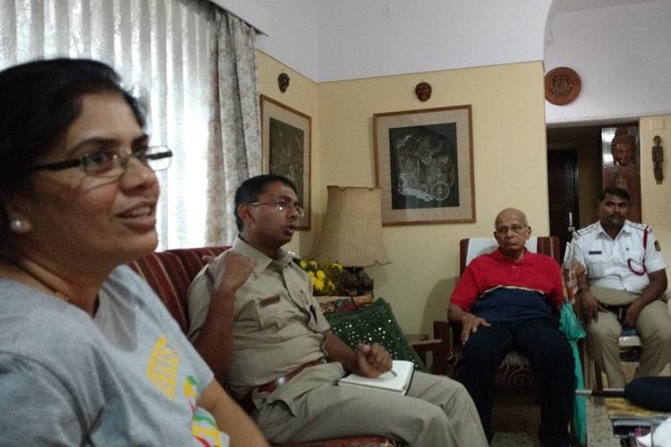 In Blurus Indiranagar residents have direct channel to traffic cops via WhatsApp